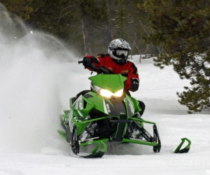 2014-Arctic-Cat-ZR-8000-RR-Action-Cornering