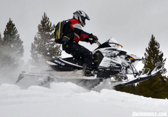 2014-Arctic-Cat-XF-7000-Cross-Country-Sno-Pro-Action-Jump