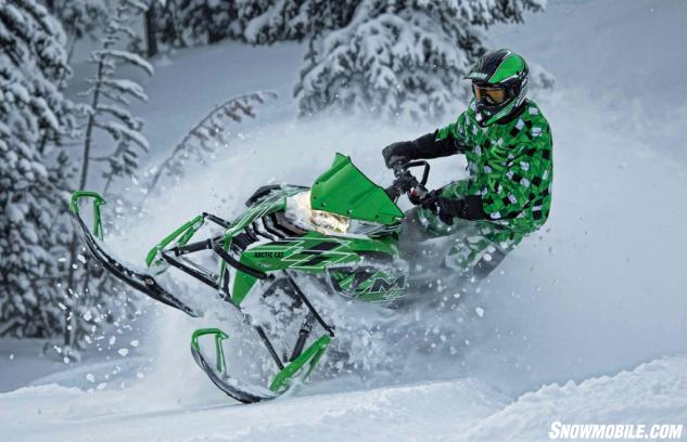 2015-Arctic-Cat-M7000-Sno-Pro-Action