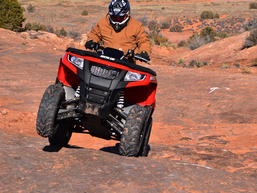 2015-Arctic-Cat-XR-ATV-Action-01