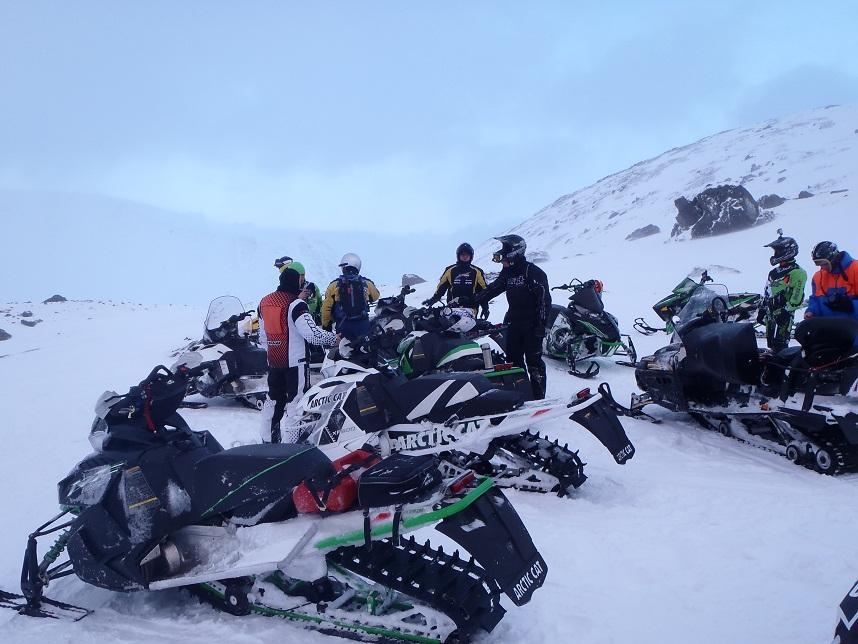 Сафари ан снегоходах
