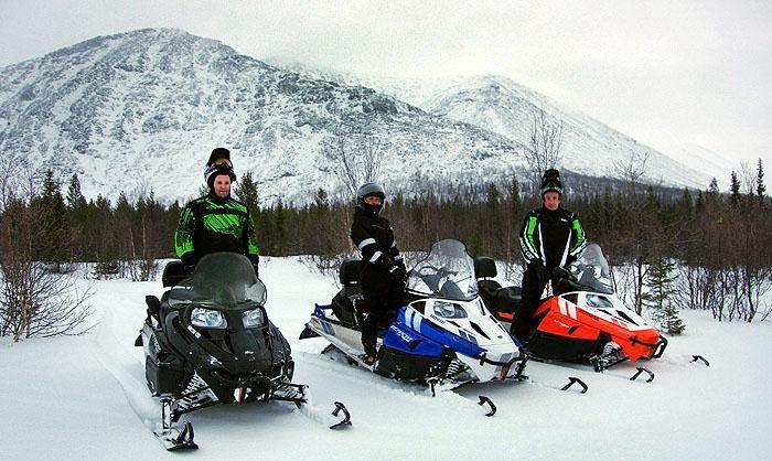 Любительские гонки на снегоходах