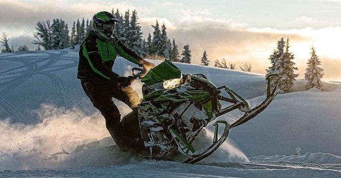 Спортивные снегоходы 2016 года