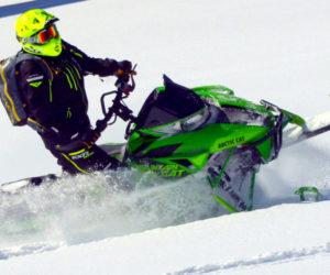 2017-arctic-cat-m8000-mountain-cat-narrow
